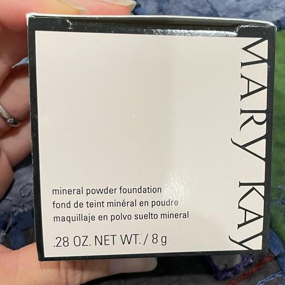 Mary Kay mineral powder foundation-Ivory 1